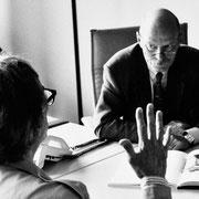 Christo im Gespräch mit Peter Struck (SPD) // Foto: Wolfgang Volz