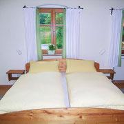 Ferienwohnung Obstgarten großes Elternschlafzimmer