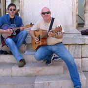 Duo Gitman - von den beiden habe ich eine CD erstanden mit Musik, die mich an den Süden erinnert :)