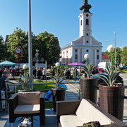 Kirche Presvetoga Trojstva (der heiligen Dreieinigkeit) im Zentrum der Stadt von unserer Hotelterrasse aus gesehen