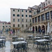 Trg Republike Hrvatske an der Kathedrale war schon immer der Platz des Volkes - heute etwas verlassen, aber doch sehr idyllisch
