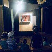 öffentliche Vorstellung Kasperlitheater eines Gemeinschaftszentrums