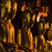 Buddha Statue in den Pindaya Höhlen.