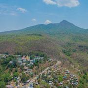 Bei gutem Wetter hat man vom Mount Popa eine tolle Aussicht auf die Natur Myanmars.
