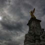 Victoria Monument, Buckingham Palace [London / England]