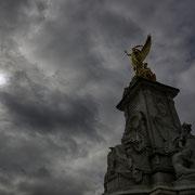 Victoria Monument, Buckingham Palace [London / England]