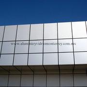 fachada de panel de aluminio