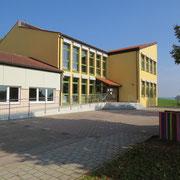 Das Schulgebäude in Absberg