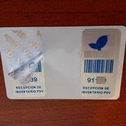 Etiqueta en poliester de 25x50 mm con VOID plateado
