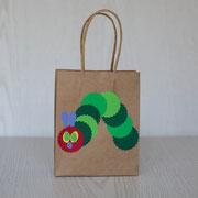 Geschenktüten für den Kindergeburtstag - Kleine Raupe Nimmersatt
