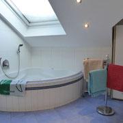 Eck-Badewanne, Ferienwohnung Stempfel, Buchloe, Landsberg am Lech