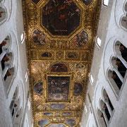Decke der Basilika San Nicola