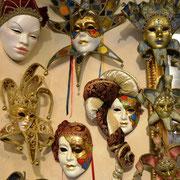 Typisch venezianische Masken