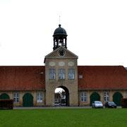 Eingang zum Schlosspark