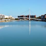 Brücke über das Bassin du Commerce