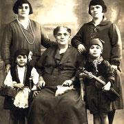 Groupe avec violon populaire, vers 1930