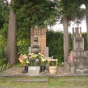 「賢治の墓」(日蓮宗・身照寺)