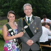Reiterkönigin Pia Dzirkowski  mit Präsident Mario Glyschewski