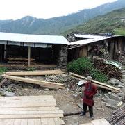 """Die """"Cottage"""" gegenüber seines eingestürzten Hauses will er bis im Juni 16 fertigstellen."""