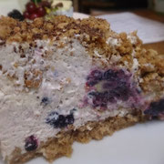Froozen Blackberry-Yogurt-Cake