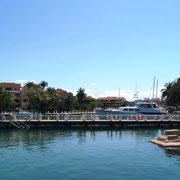 ein sehr hübsch angelegter Yachthafen