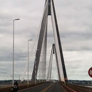 """die Brücke """"International"""" verbindet Paraguay (Encarnacion) und Argentinien (Posadas) über den Rio Paraná miteinander"""
