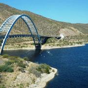 über diese Brücke sind wir gefahren
