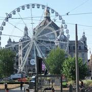 von Brüssel mit dem Expressbus nach Antwerpen