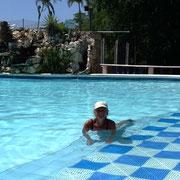 Baden im Pool ...