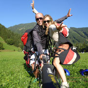 Nach dem Tandemflug mit Austriafly sicher gelandet