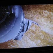 Endoskopische Aufnahme eines Rohrbruchs im Abwasserrohr