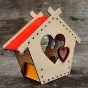 Кормушка для птиц - Теремок сердечный на окно