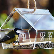 Украшение сада - кормушка для птиц Княжий.