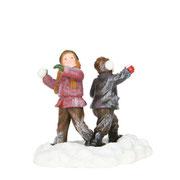 601613-Schneewald snowfight