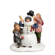 604038-Making a snowman