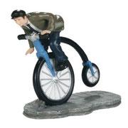 600593-Cyclist falls