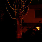 Funkenstieben bei Nacht