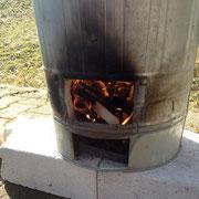 und schon brennt es und die Temperatur steigt auf 1000°C
