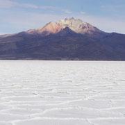 Der Vulkan Tunupa am Salzsee von Uyuni - eine Wanderung mit Bolivienline führt Sie hoch hinaus