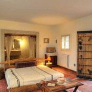 Suite Mille et une Nuits:  Lit double. Avec une extraordinaire salle de bain.