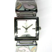 Edelstahlgehäuse(24x24mm);Edelstahlband poliert mit Lackeinlagen; Mineralglas; Juwelierschliesse; 3ATM; €99,95
