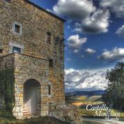 Dietro le mura il panorama del Chianti / Landscape of Chianti behind the walls