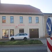 Fassadengestaltung nach Denkmalschutzvorgaben, Bemalung direkt auf Fassede