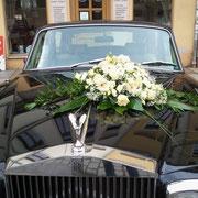 Hochzeit: Autoschmuck aus der Blumenwerkstatt Dresden