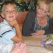 Janik und (Oma) Annemarie