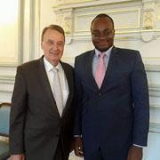 """Avec monsieur Rémi Muzeau à la mairie de Clichy-la-Garenne le 24/07/17 qui nous a fait l'immense plaisir d'accepter d'être un des membres d'honneur du """"projet FR""""."""
