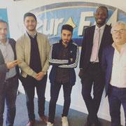 """19/04/19: Rudy Kzi, vice-président de la plateforme avec l'équipe de Beur FM à la sortie de l'émission """"L'actu c'est toi"""""""
