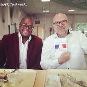 """15/06/18: J'ai pu m'entretenir sur la situation de la jeunesse avec le député de la 6ème circonscription du Rhône, monsieur Bruno Bonnell (LREM) et lui offrir mon livre """"La jeunesse des quartiers face aux défis du patriotisme et de la cohésion sociale"""""""