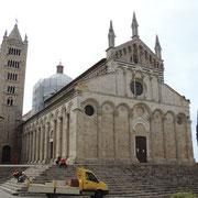Dom San Cerbone an der Piazza Garibaldi