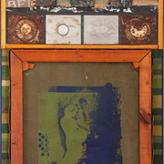 """Fragil"" Assemblage auf Holz (56x129) 2005"